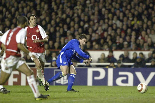 Wayne Bridge scores the winning goal at Highbury