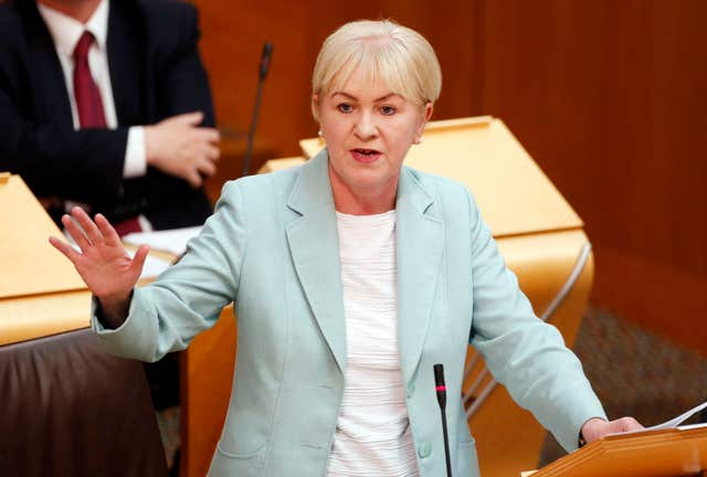 Johann Lamont to stand down