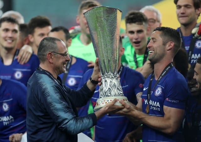 Maurizio Sarri, left, lifts the Europa League