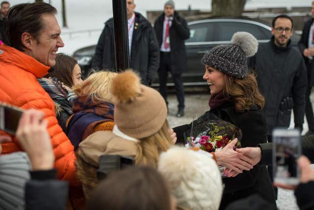 Kate meets members of the public during a visit to Vasaparken (Dominic Lipinski/PA)