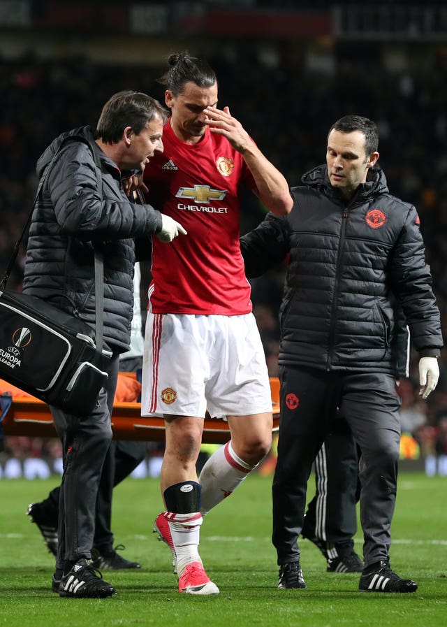 Ibrahimovic leaves the field after suffering a serious knee ligament injury against Anderlecht in a 2017 Europa League tie