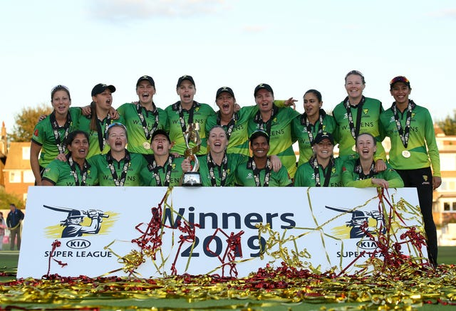 Western Storm won the last Kia Super League with victory in the final over Southern Vipers thanks to an unbeaten 78 from England captain Heather Knight