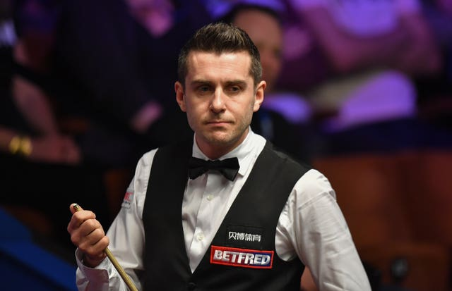 English snooker player Mark Selby is one of just two people Halep follows on Twitter