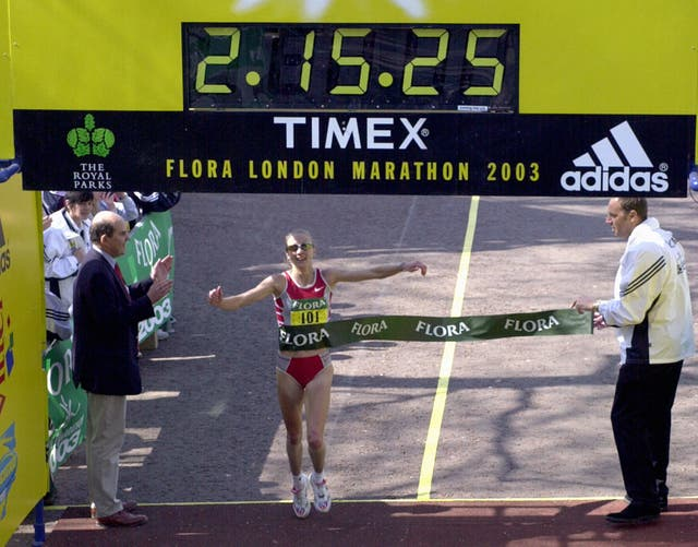 Paula Radcliffe completes the 2003 London Marathon in a record 2hr 15min 25sec