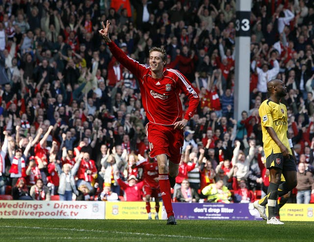 Crouch scored his first career hat-trick in a 4-1 win over Arsenal in March 2007