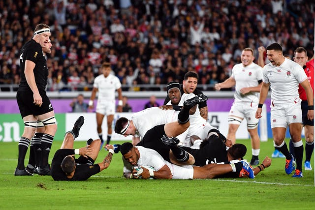 Manu Tuilagi scores for England after just two minutes against New Zealand