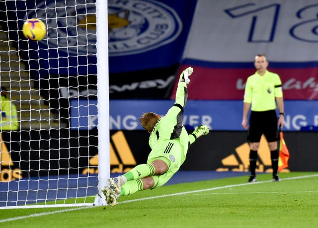 Leicester goalkeeper Kasper Schmeichel fails to save the penalty