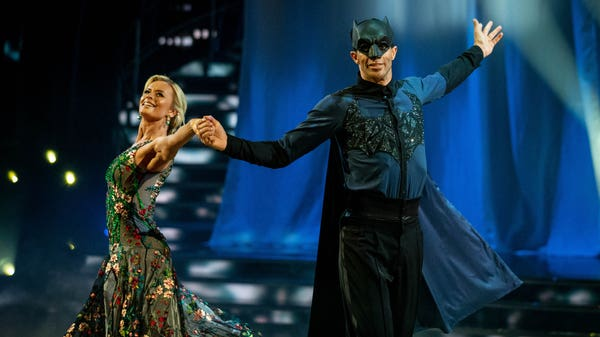 Strictly's David James heeds judges' advice and bins the notebook