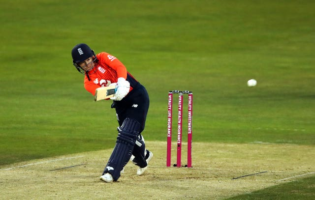 Tammy Beaumont fell for eight as England were heavily beaten