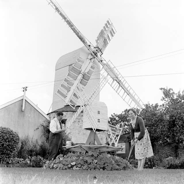 Buildings and Landmarks – Saxtead Green Windmill – Saxtead