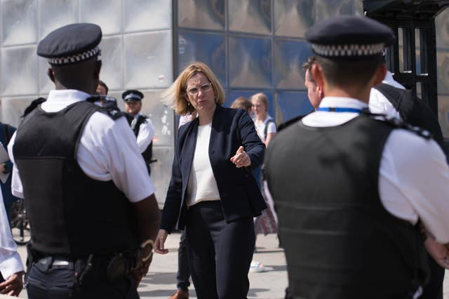 Amber Rudd meets police officers