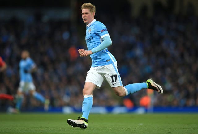 Kevin De Bruyne scored in both legs as Manchester City beat Paris St-Germain in the quarter-final.
