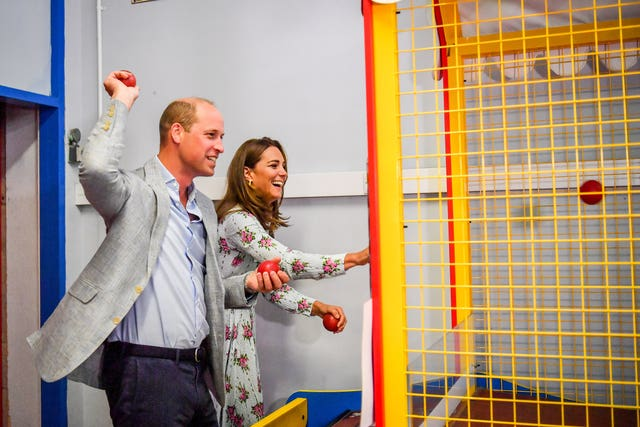 Fun and games for the duke and duchess at the arcade