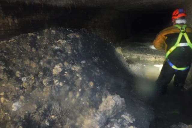 Workers remove fatberg in Devon