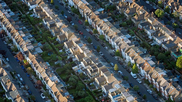 Number of home sales plunged to 15-year low in April