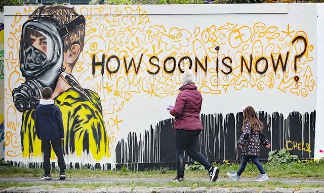 Coronavirus mural