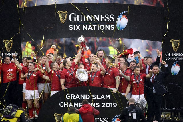 Wales stretched their winning run to clinch the Grand Slam