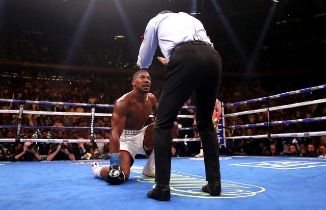 Joshua takes a count from referee Mike Griffin