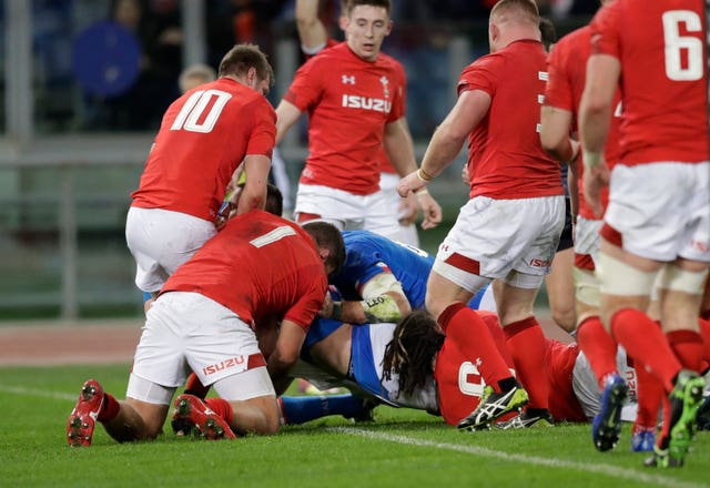 Italy's Abraham Steyn stunned Wales with the first try of the match