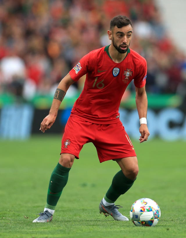 Fernandes has earned 19 caps for Portugal