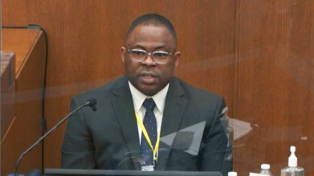 Jody Stiger, a Los Angeles Police Department sergeant, gives evidence (Court TV/PA)
