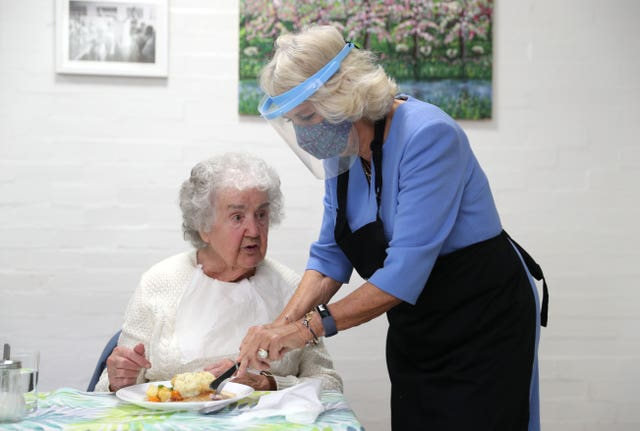 Camilla visits Royal Voluntary Service