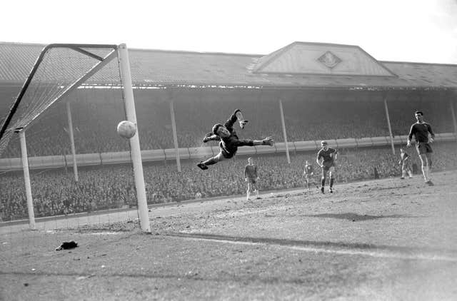 Bonetti makes a flying save against Liverpool in 1965
