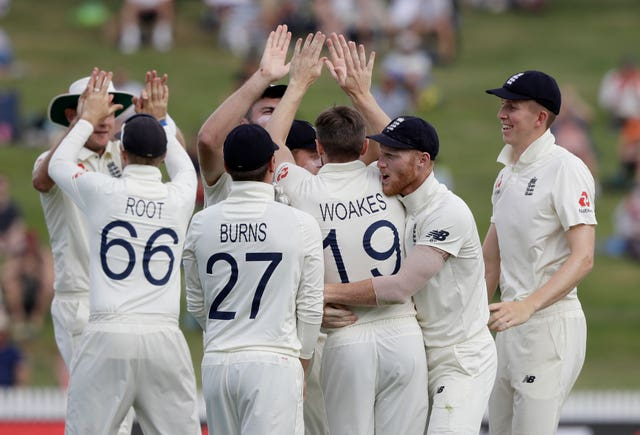 Chris Woakes celebrates his wicket