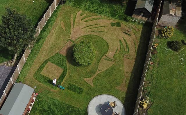 National Lottery winners lawn design