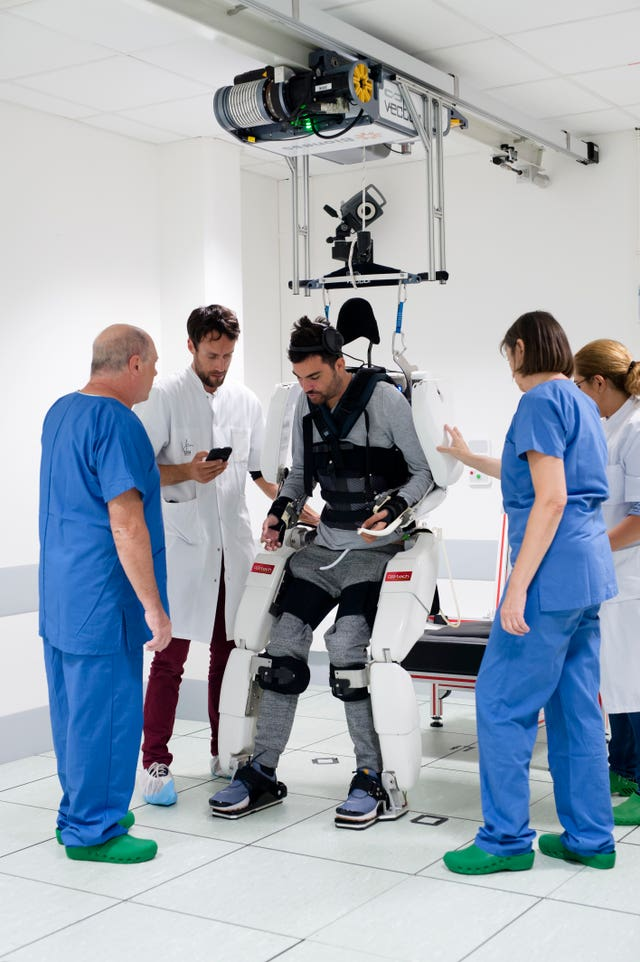 Tetraplegic man walks using exoskeleton
