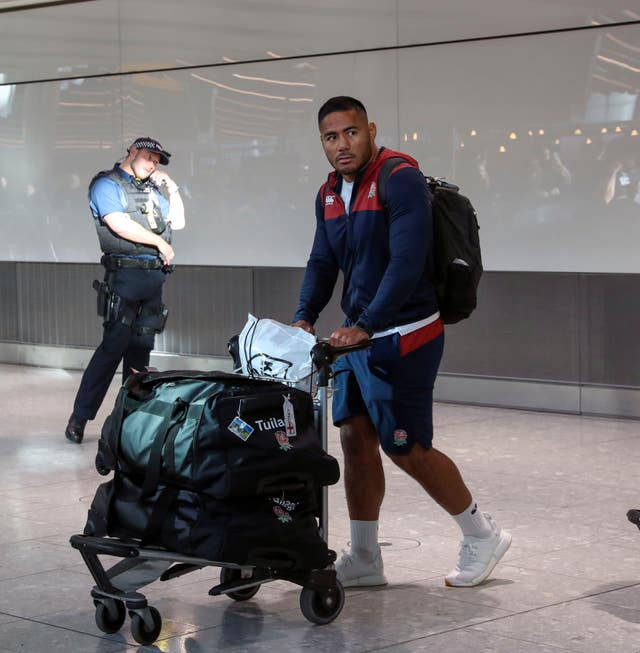 England Rugby team return to Heathrow Airport