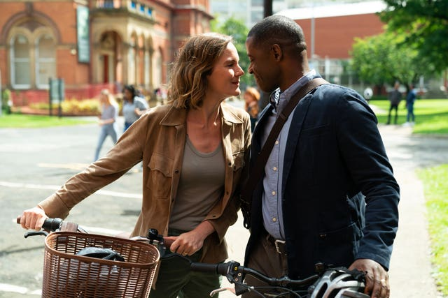 Rachael Stirling as Kelly and Adrian Lester as David in Life