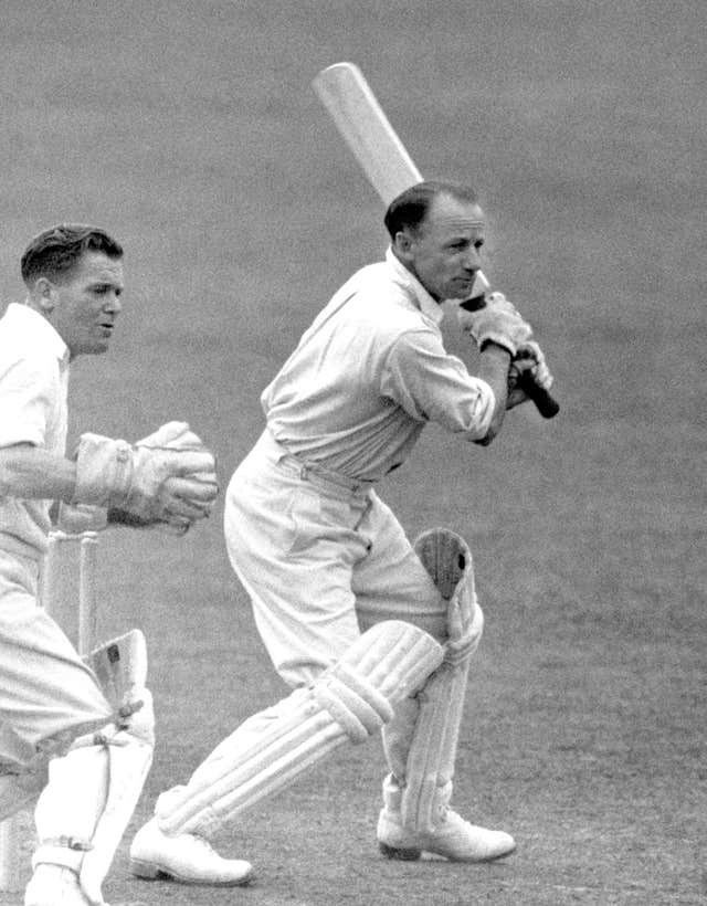 DONALD BRADMAN BATTING ACTION