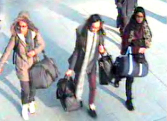 Shamima Begum, right, fled with Amira Abase and Kadiza Sultana