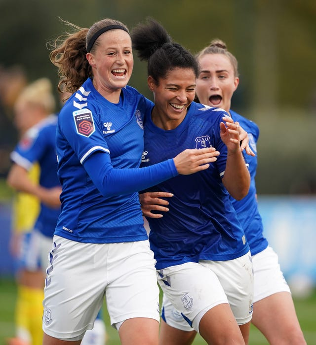 Everton's Valerie Gauvin (centre) celebrates scoring her side's second goal