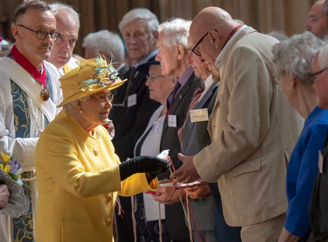 The Queen distributes Maundy money