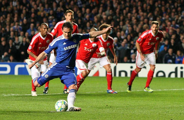 Frank Lampard's penalty helped Chelsea to see off Benfica at Stamford Bridge.