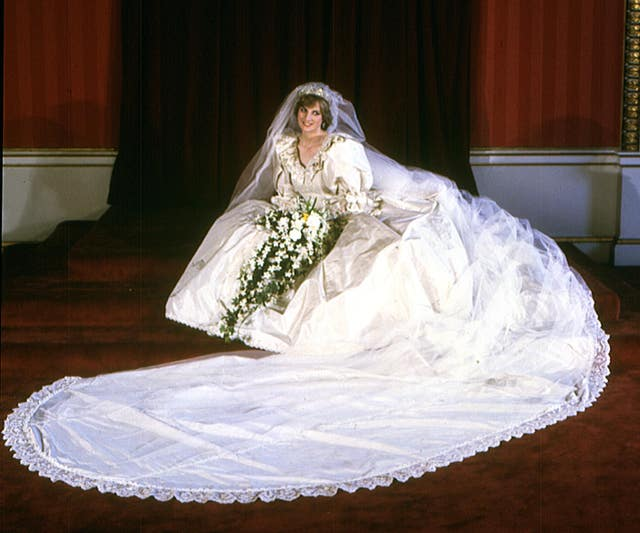 Diana at Buckingham Palace in her wedding dress