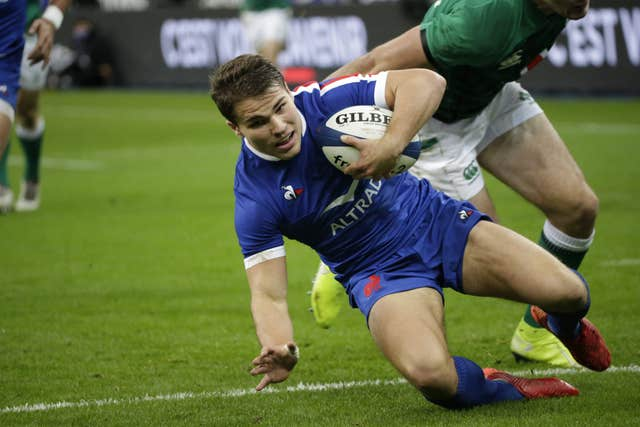 Antoine Dupont led France to a 35-27 victory against Ireland but could only finish as runners-up