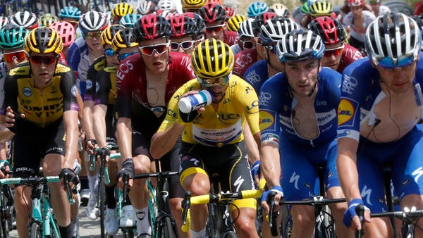 Who are the leading candidates to win the 2019 Tour de France?