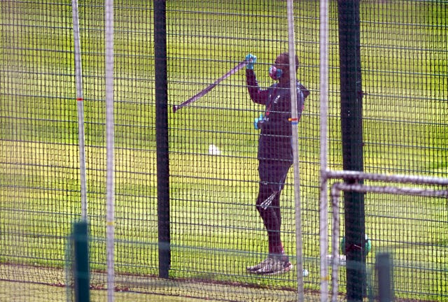 Jofra Archer trains in PPE at Emirates Old Trafford.