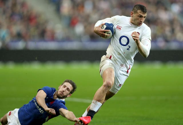Jonny May breaks through to score at the Stade de France