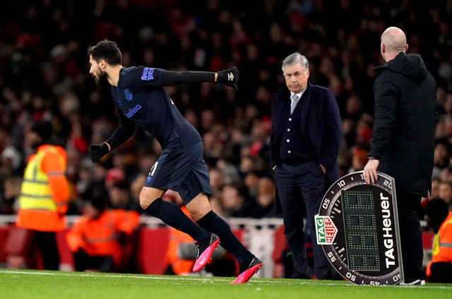 Andre Gomes, left, returns from injury as a second-half substitute