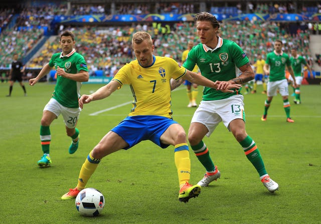Republic of Ireland v Sweden – UEFA Euro 2016 – Group E – Stade de France