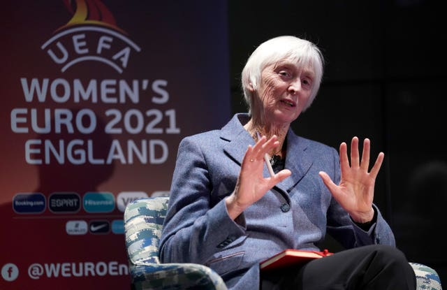 Baroness Sue Campbell has hailed the pedigree of England's two new assistant coaches