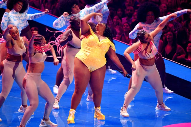 Lizzo performs on stage at the MTV Video Music Awards 2019