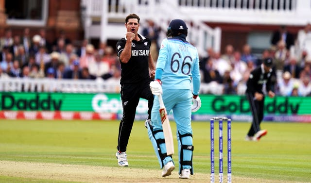 Colin de Grandhomme dismisses Joe Root