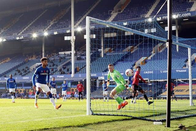 Bruno Fernandes struck twice to ease the pressure on Manchester United boss Ole Gunnar Solskjaer with a 3-1 win at Everton