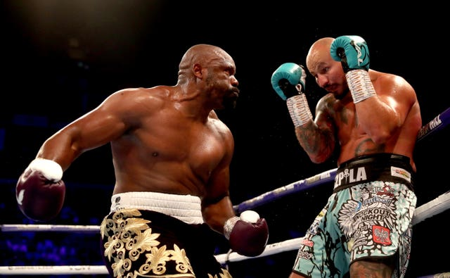 Dereck Chisora secured a devastating knockout victory over Artur Szpilka on the undercard