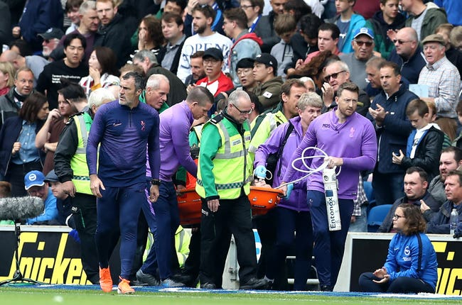 Hugo Lloris left the field on a stretcher